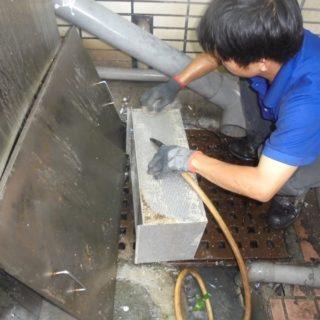 新莊區清理截油槽